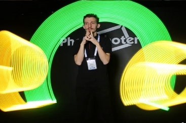 Neon Booth